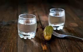 Горілка, водка чи оковита – що є питомо українською назвою напою та яка між ними різниця