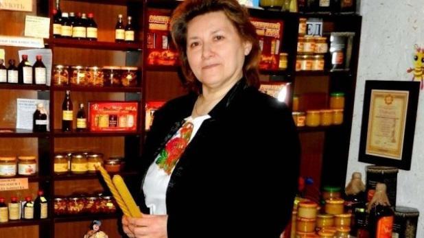 Володарка титулу «Медова княгиня України» розповіла, як заснувати прибуткову бджолину ферму