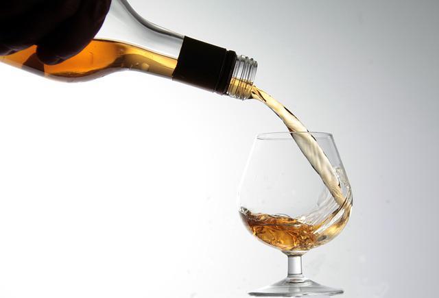 Онлайн-продаж алкогольних напоїв: які зміни зумовила пандемія Covid-19?